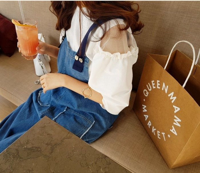 美麗喵。現貨。韓國 正韓 雙露肩網紗 壓摺釘珠抓皺設計 好質感上衣(3色)