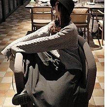 『 筱涵 日系美學衣飾 』溫暖自在隨性 配皮帶多刀剪裁拼接兩側斜插袋微喇灑擺過膝半身裙