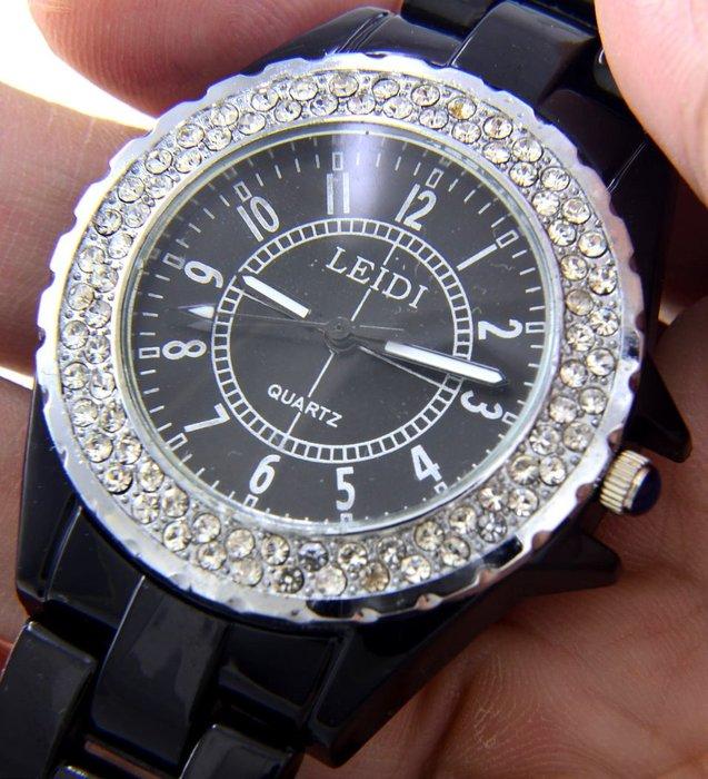 (六四三精品)黑色類陶瓷錶徑3.8公分外框水鑽()(限量運動水鬼軍錶) ........