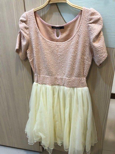 小花別針、百貨專櫃【CANTWO】粉色假兩件拼接雪紡裙
