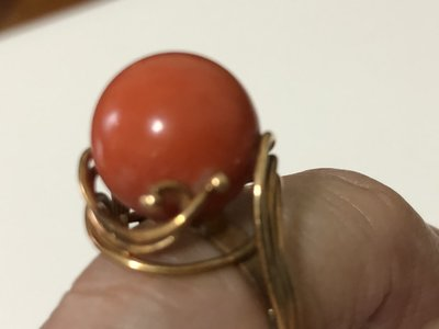 舊愛典藏-早期阿卡級珊瑚 18K金戒指...