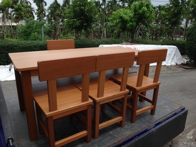 A051{崙頂傳統原木家具行}~黃松木實木固定桌配4張實木靠背餐椅+長板凳