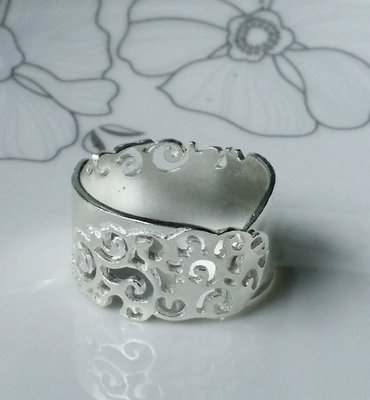 嗨,寶貝銀飾珠寶* 925純銀 寶石飾品☆時尚 祥雲 鏤空 不規則開口純銀戒指 ☆熱銷款 可以幫忙尺寸