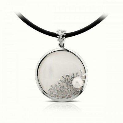 手工純銀珍珠母貝鑲珍珠項鍊 掌上明珠Bask mother of pearl silver pendant