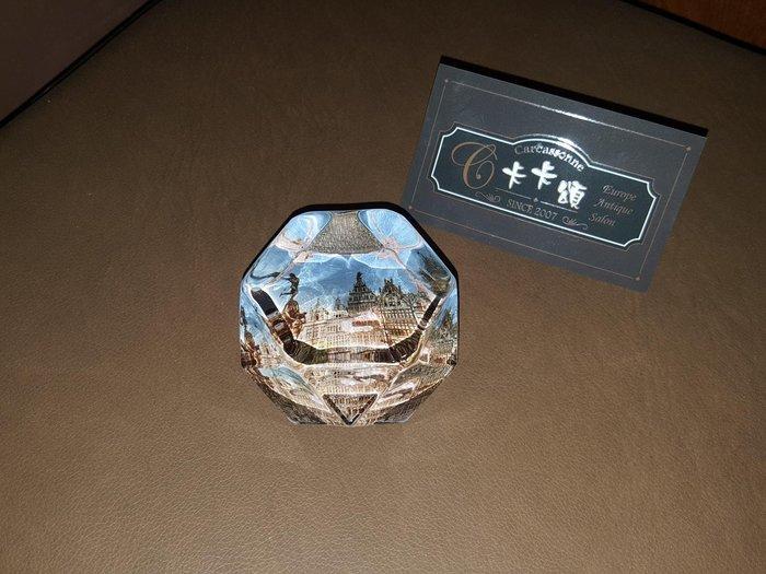 【卡卡頌 歐洲跳蚤市場/歐洲古董】歐洲老件_建築風景 菱面玻璃雕刻 紙鎮 ss0346