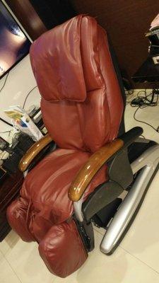 OSIM傲勝按摩椅OS-7771腳部充氣不飽,腳部不會升降,到府更換維修,按摩椅脫皮,按摩椅換皮,按摩椅椅套,按摩椅布套傲勝按摩椅OS-7700免費LINE報價