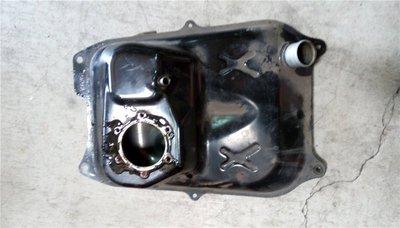 達成拍賣 二代 新勁戰 噴射 油箱 汽油箱 油桶 下油管 油箱蓋組 蓋子 LED後燈 尾燈 鎖頭 後扶手 中柱 右側蓋