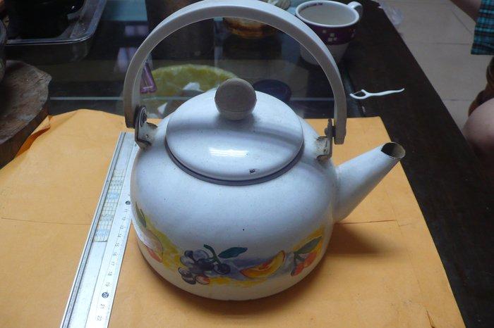 紫色小館88-----早期手繪茶壺