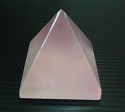 □§Disk的天然水晶§□【神秘力量】冰種星光粉晶金字塔(45x45x45mm 109g)HV-40~滿千9折+超取免運