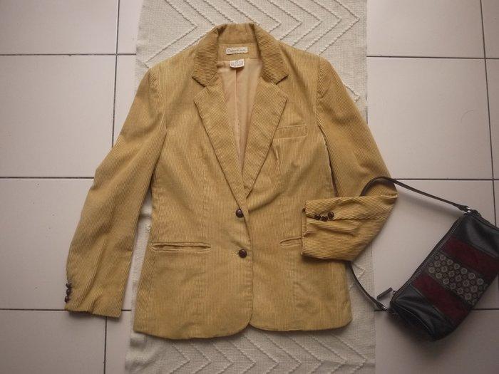 【二手精品好衣】Oscar de la Renta 歐洲設計師品牌 保證正品 駝米黃燈心絨外套 西裝 衣櫃爆滿清倉特賣價