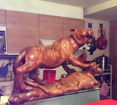 95.千年牛樟木--台灣雲豹精品--原售25萬元新春特價5萬