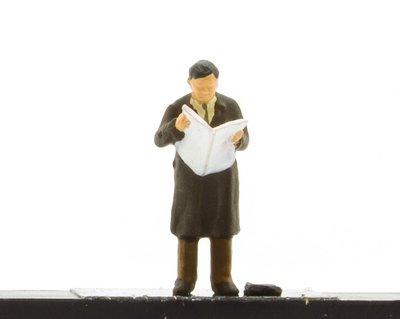 傑仲 (有發票) 博蘭 公司貨 Preiser 人物組 Man reading newspaper 28016 HO