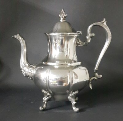 111 高檔英國漂亮鍍銀壺 Silver Plated Coffee Pot 25*25 cm