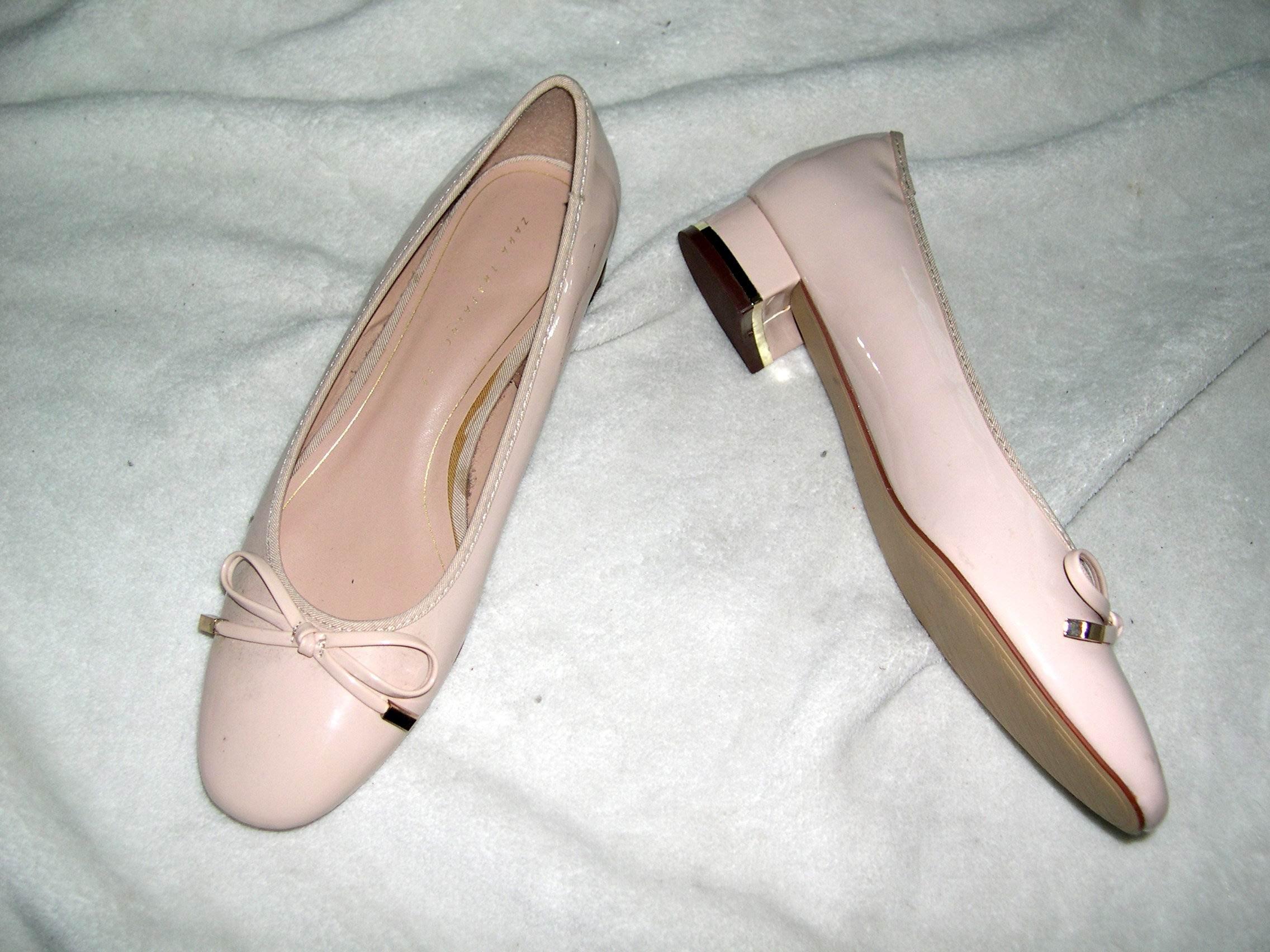 @╮全面淨空大特賣╭@二百零一元亂亂標~~粉色時尚別緻低跟鞋