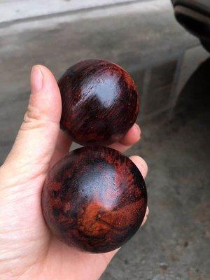 棋楠降真香 -  保健球 供珠  5.1  一對  高油性