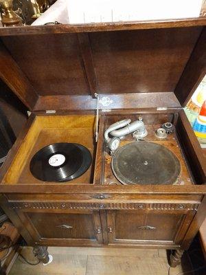 【布諾西洋古董】英國古董唱機  疫情特價<提供租借服務>