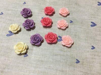 15mm 紫色 桃紅 白色 粉紅 小玫瑰花 造型DIY素材 袖珍小物 奶油殼 飾品材料 (現貨)
