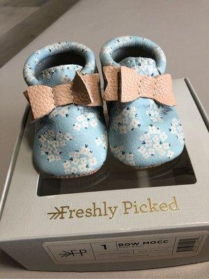 Freshly picked 嬰兒手工皮鞋