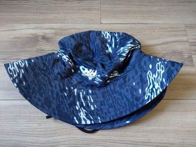 日本限定款HH Helly Hansen 戶外知名品牌藍色豹紋帽子側扣漁夫帽男女登山帽 現貨Comlubia
