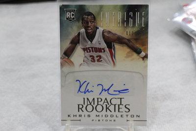 公鹿球星 Khris Middleton~2012-13 Intrigue ~限量299 RC 新人簽名卡~漲