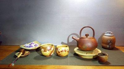 (店舖不續租清倉大拍賣)劉小評小姐--梅花大茶杯,原價每個1800元特價900元