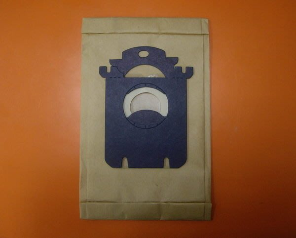 Electrolux 伊萊克斯e206,e207,Z2015,Z2020,ZE-2241,ZO-6320...吸塵器適用集塵袋,3 包免運費!