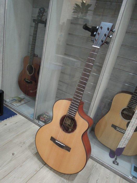 台南嘉軒樂器吉他 工廠無標樣品琴 超漂亮手工單板琴 雲杉面單板 桃花心木側背板木吉他 音色超讚 絕對會讓您驚豔的好聲音