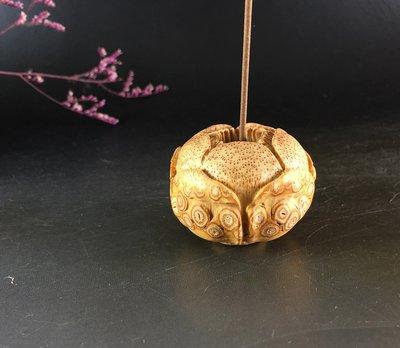 竹根雕  滿釘雕件 ~  香插-  把件  擺件 茶寵 ...全手工 隨形 精雕 ..  E239