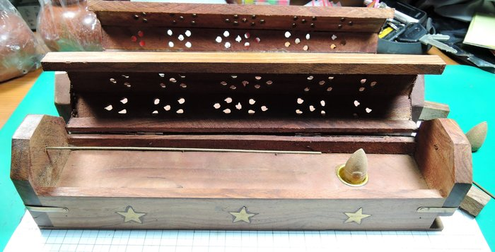 W46R2越南花梨木星星香盒多功能線香塔香香盒 手工藝鏤空 塔香爐