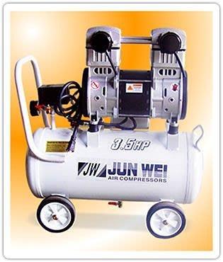 JUN WEI無油式空壓機 超靜音 雙缸適合大樓/ 居家/ 辦公/ 實驗室使用 3.5HP 30L 台中市