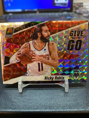 2019-20 Mosaic Give and Go Silver Ricky Rubio