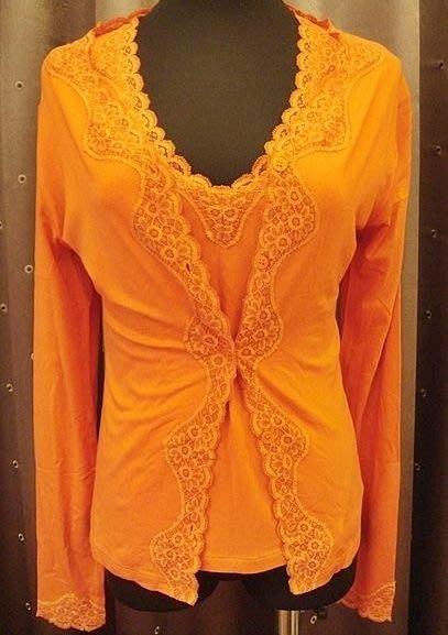 降價大出清!義大利進口,全新 rose e viole 亮橘色縫高質感蕾絲邊背心外套兩件組,低價起標無底價!本商品免運!