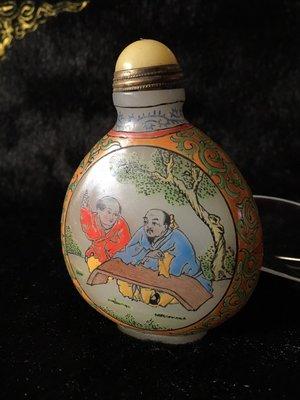 阿牛的店 畫工精美 琺瑯開光高仕 有款 老料器 鼻煙壺 蓋後配 不含蓋73*62*32mm