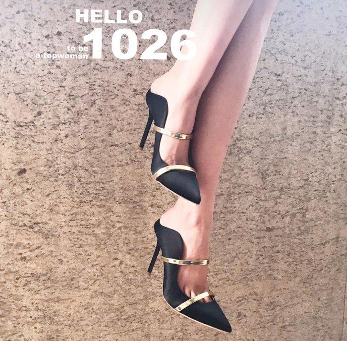 +1026+歐美大牌 麂皮絨面類真牛皮 弧形側鏤空 淺口露趾細跟高跟鞋 雙帶細帶拼色金屬皮質 尖頭一字帶腳套高跟涼拖鞋