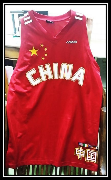 2001年籃球世錦賽 中國 姚明 11號籃球球衣 紀念衫 adidas 正版 非環保材質 可收藏