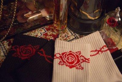 【黑殿】訂製款玫瑰花圖案短襪 個性短襪 個性單品 超好看短襪 襪子控必備 收藏短襪 BL121