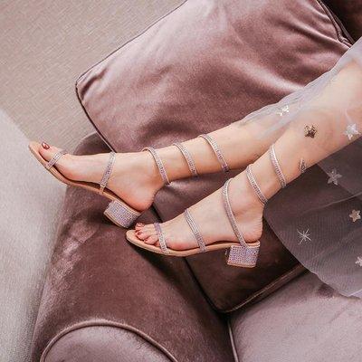 2020年新款夏季羅馬蛇形纏繞水鉆粗跟時新裝涼鞋仙女風中跟時尚女鞋 全館免運