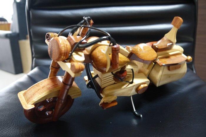 全新 哈雷機車 木製機車 機車模型 (非檜木聚寶盆、檜木盒、龍柏、牛樟、崖柏、肖楠、黃檜)