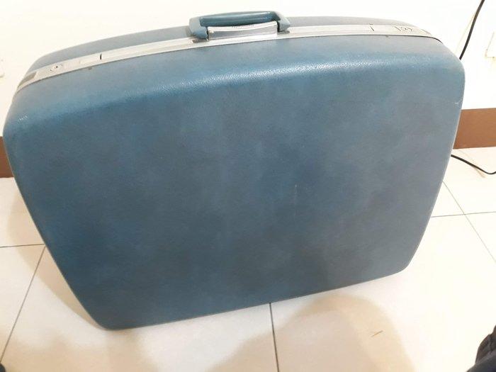 大型 Samsonite 早期 行李箱 寶籃色 長65CM寬約48CM高20CM  老件 完整 有鑰匙 內有污漬