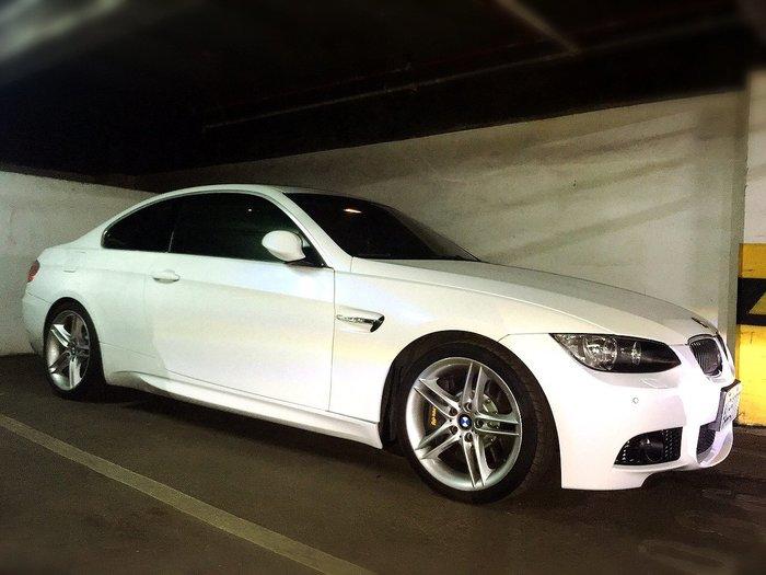 BMW E92 M3葉子板 一片7000元 最後2片  BMW E92 M3側裙  一組只賣10000元 (M3跑車側裙