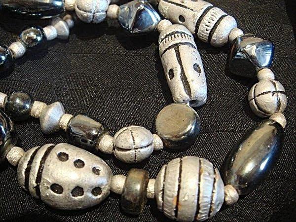 全新從未戴過的民族風項鍊,挺有份量的,賣家珍藏,便宜賣出!低價起標無底價!本商品免運費!