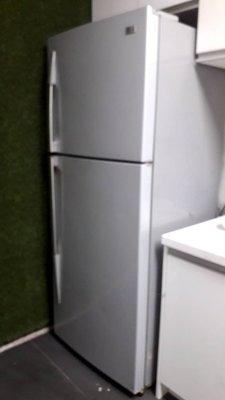 LG 二手電冰箱 約400公升 原價3萬多元