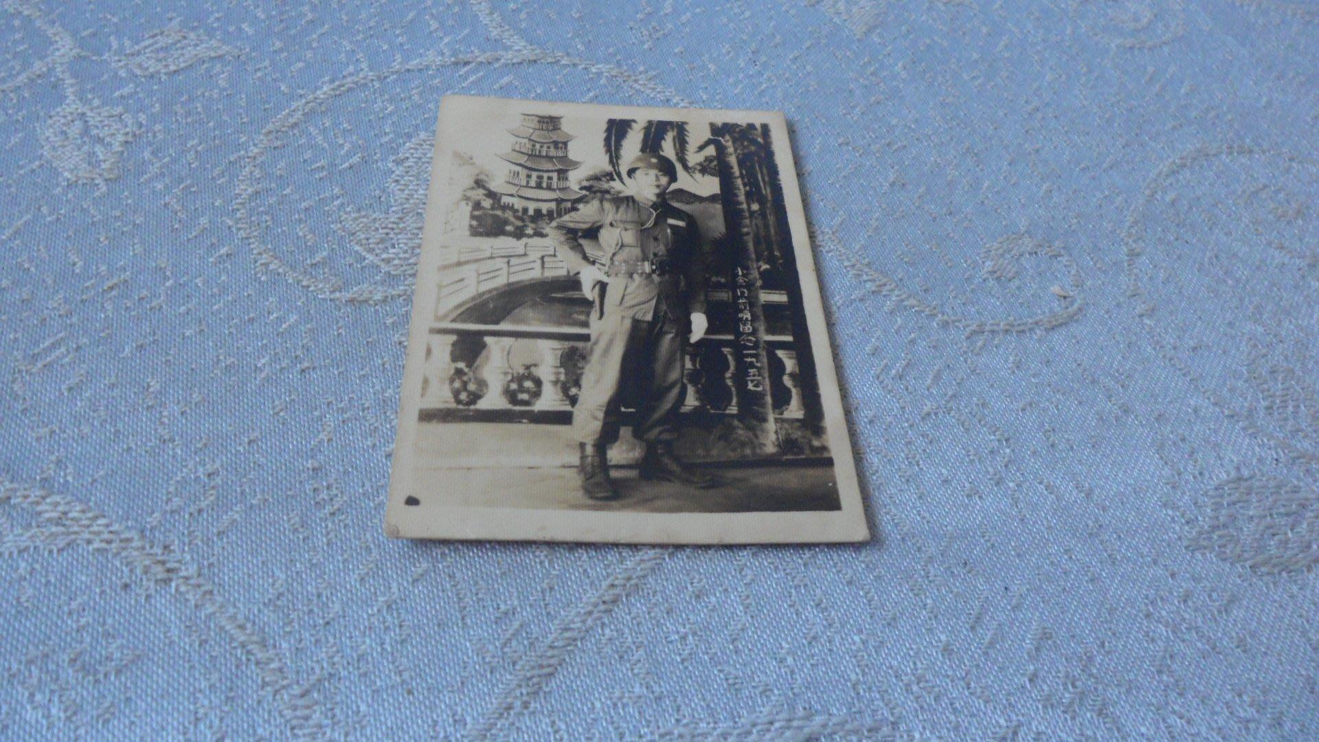 藍色小館10-1--------47年.早期黑白軍人照
