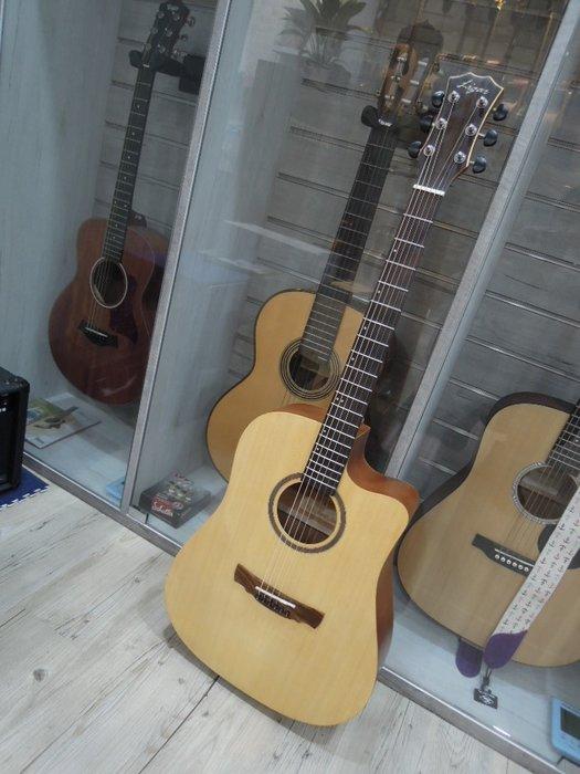 台南嘉軒樂器吉他 9.5成新 漂亮二手面單板木吉他 雲杉面單板 桃花心木側背板 超值好琴 買到賺到喔