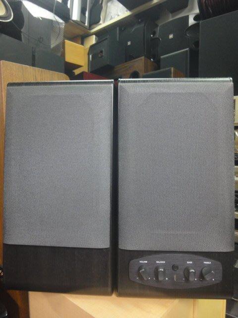 ST&T-  桌上型喇叭內有擴大機30+30W