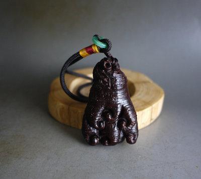 印度小葉紫檀   - 佛手 -  高油密老料 天然包漿 木質穩定 全手工 高拋 無漆無蠟   ** T823