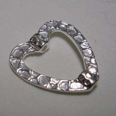琥珀貓~【925純銀材料配件】造型珠~N8989~穿孔扁愛心~孔1mm~一個