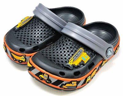 【菲瑪】COQUI 趣味工程車花園鞋 懶人鞋 布希鞋 軟Q無毒無味超輕止滑 黑6436