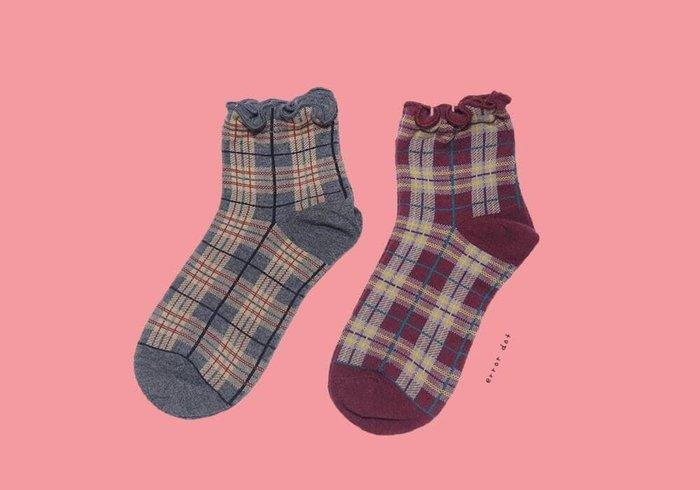 。error dot。巧酥餅乾捲花邊格紋襪子