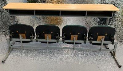 宏品二手傢俱館 台中2手家具賣場 E50313*4人課桌椅+綠皮椅*補習班桌椅 學生桌椅 兒童桌椅 大學椅 排椅 等待椅